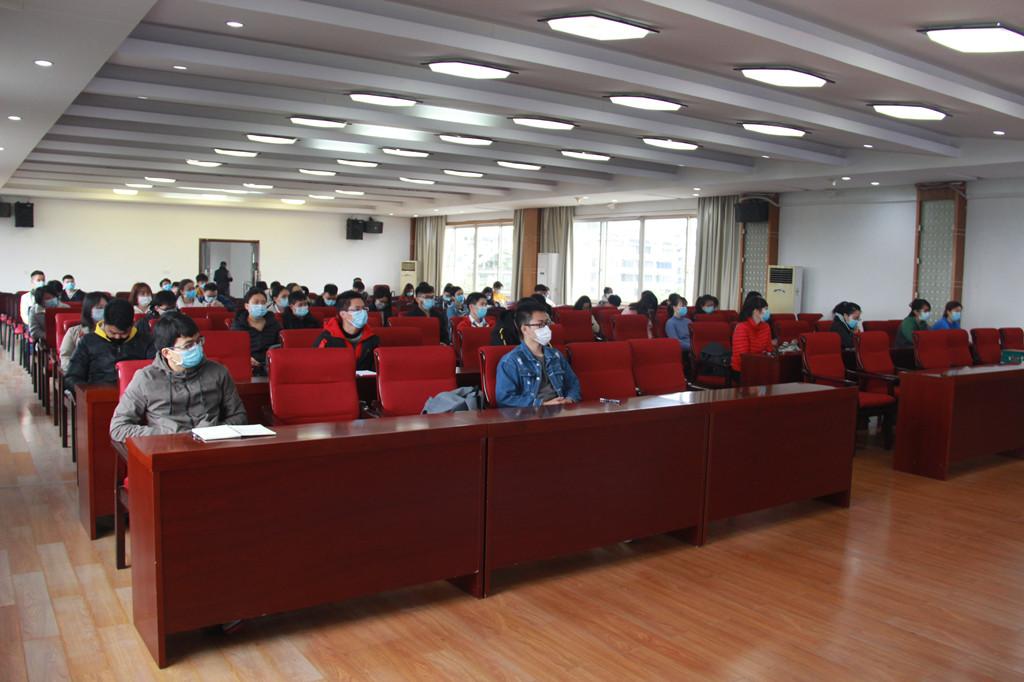 来自广西中医药大学、广西科技大学、桂林医学院、右江民族医学院的70多名实习生到场听讲.JPG